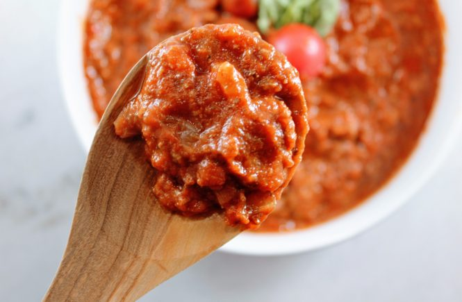 homemade tomato meat sauce