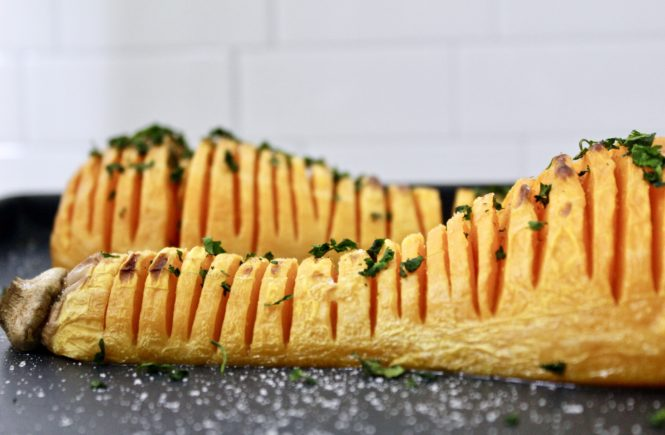 SIMPLE ROASTED HASSELBACK BUTTERNUT SQUASH